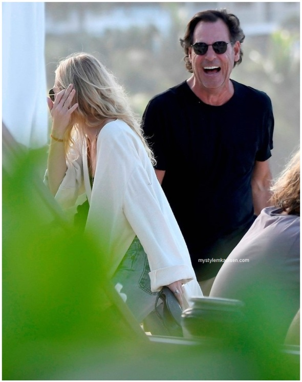 ashley-olsen-enjoys-romantic-getaway-with-boyfriend-richard-sachs-03