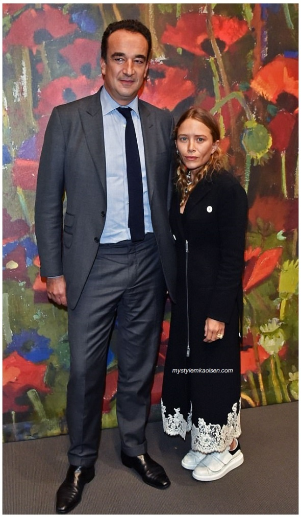 453E059000000578-4972392-Arts_patrons_Mary_Kate_Olsen_31_was_spotted_at_the_New_York_Acad-a-25_1507781273064