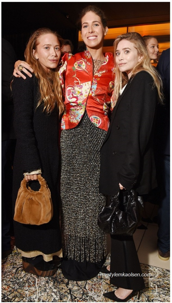 461EBE4600000578-5061095-Big_pals_Mary_Kate_and_Ashley_Olsen_31_turned_out_to_support_fas-m-52_1510125877665